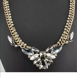 Jewelry - Women's Statement crystal necklace